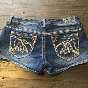 Hydraulic shortie jean shorts